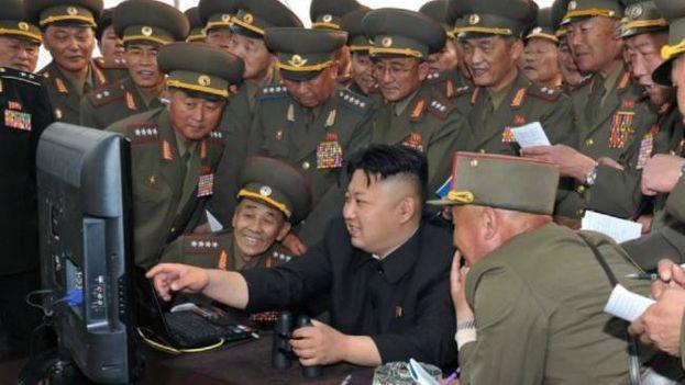 Corea del Norte podría haber robado el año pasado a través de piratas informáticos una gran cantidad de documentación militar clasificada. (KCNA)