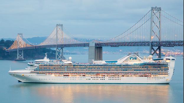 Crucero de Norwegian Pearl a su paso por San Francisco. (CC)