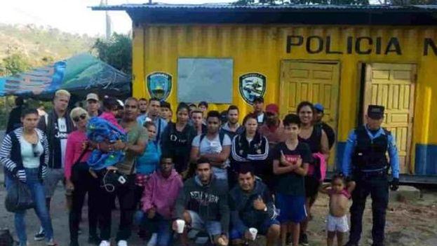 31 inmigrantes indocumentados de Cuba y ocho del Congo que ingresaron de manera ilegal en Honduras la pasada semana. (Emisoras Unidas)
