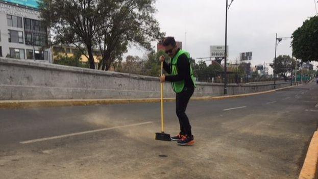 Cuatro al Cubo habilita la avenida para el proyecto del Ecoducto con que pretenden tratar las aguas residuales imitando un sistema natural. (Cuatro al Cubo/Facebook)