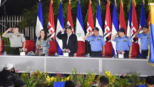 Daniel Ortega acusó a EE UU de reclamar a la policía a perseguir a los manifestantes cuando su cuerpo diplomático resultaba perjudicado. (La Prensa)