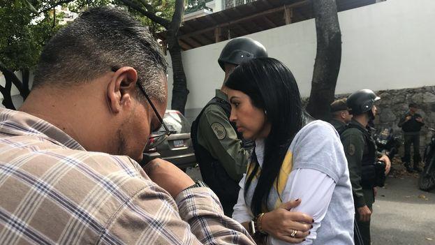 La diputada opositora Delsa Solórzano durante la investigación de los hechos de El Junquito. (@delsasolorzano)