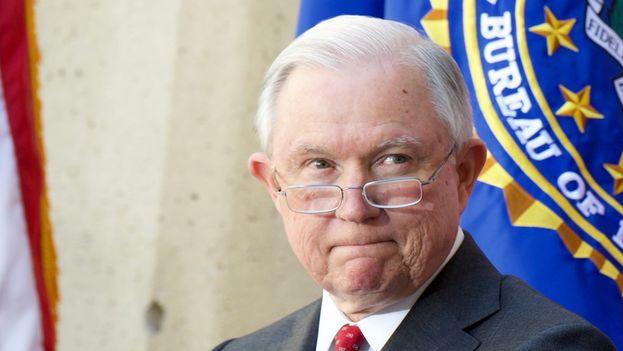 El portavoz del Departamento de Justicia Devin O'Malley dijo que actualmente los jueces de inmigración procesan de media 678 casos al año. (FBI)