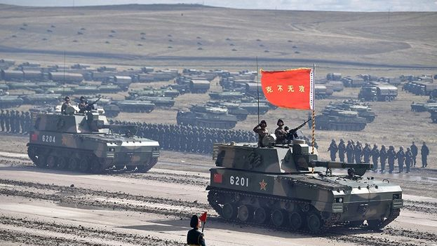 Desfile militar de las tropas rusas y chinas durante las maniobras de Vostok 2018. (RT)