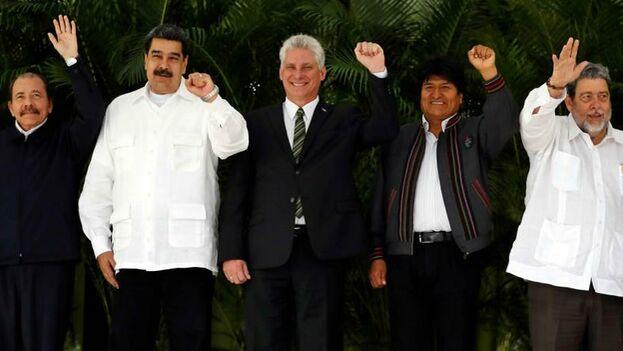 Daniel Ortega, Nicolás Maduro, Miguel Díaz-Canel, Evo Morales, y el presidente de San Vicente y las Granadinas, Ralph Gonsalves, en la última cumbre del Alba, en 2018. (EFE.