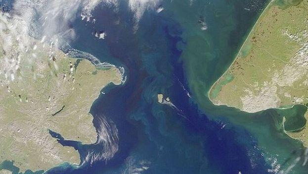 Las Islas Diomedes están situadas en el Estrecho de Béring, la mayor de ellas pertenece a Rusia y la menor a EE UU. (NASA)