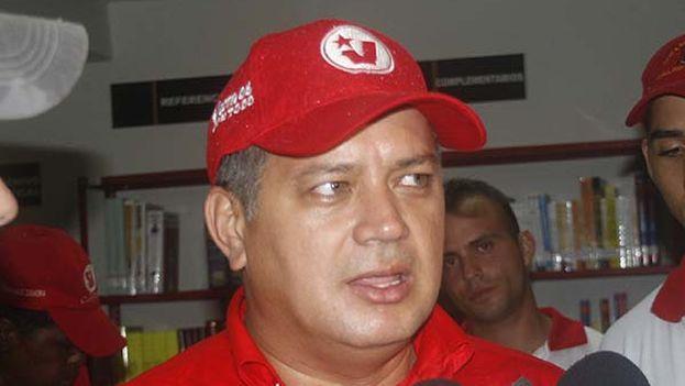 Diosdado Cabello haciendo declaraciones a la prensa en 2010. (CC)