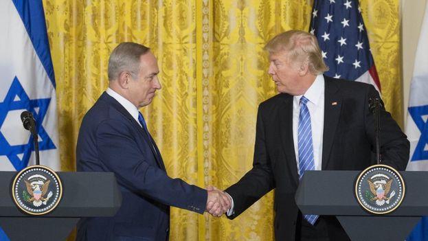 Donald Trump y Benjamin Netanyahu durante una reunión en la Casa Blanca. (EFE)