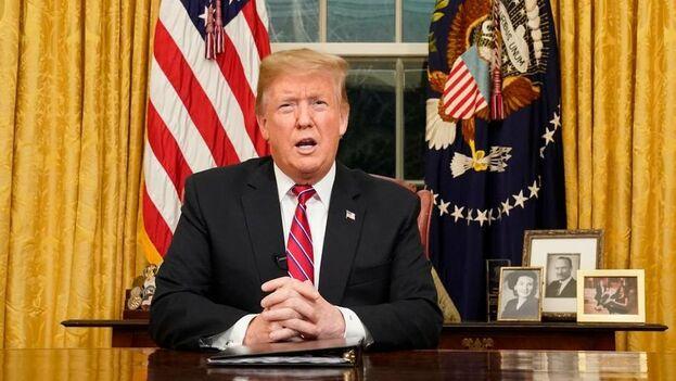 """Donald Trump, se reunió hoy con el consejero delegado de Google, Sundar Pichai, de quien dijo que ha recibido un """"compromiso total"""" con el Ejército de EE UU. (EFE/Archivo)"""