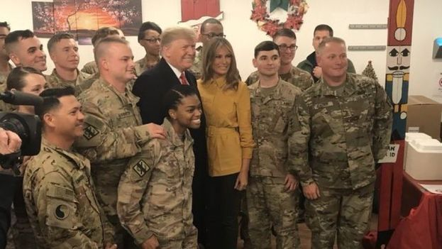 Donald y Melania Trump en la base militar de Irak. (POTUS)