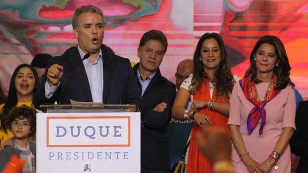 Duque celebró su triunfo y apeló a la unidad de cara a la segunda vuelta que se celebrará el próximo 17 de junio. (@IvanDuque)