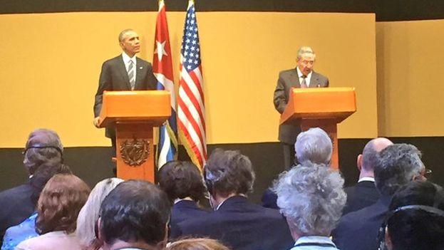Rueda de prensa del presidente de EE UU, Barack Obama, y de su homólogo cubano, Raúl Castro. (Casa Blanca)