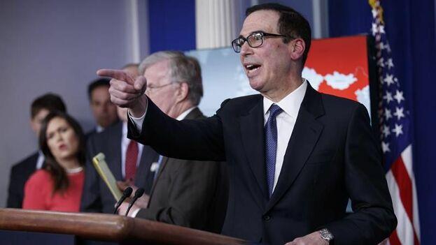 El secretario del Tesoro de EE UU, Steven Mnuchin, anunció las sanciones contra PDVSA este lunes en un comunicado. (EFE)