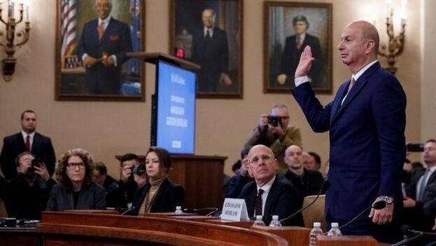 El embajador de EE UU ante la Unión Europea, Gordon Sondland, relató las presiones de la Casa Blanca para conseguir la ayuda de Ucrania. (EFE)