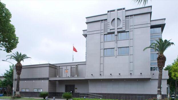 """""""Nuestra embajada en EE UU ha recibido hasta amenazas de bomba, y también han llegado amenazas de muerte al personal diplomático"""", dice Pekín."""