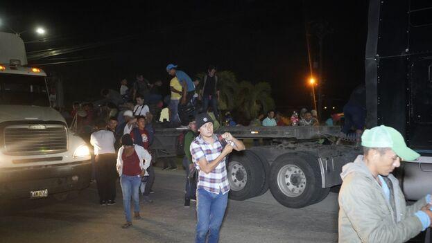Unas 2.000 personas se dirigen a EE UU en una nueva caravana migrante que ya ha llegado a Guatemala.