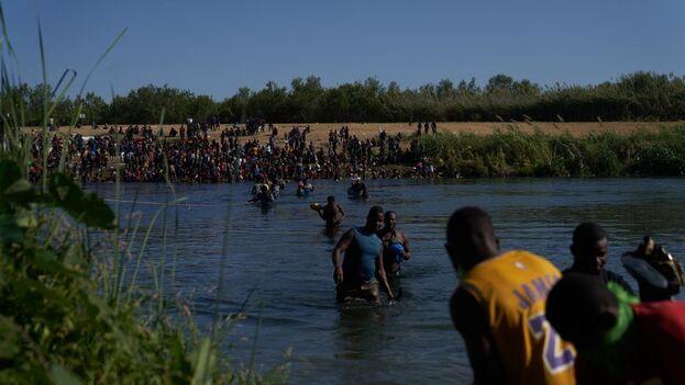 """EE UU urge a los haitianos a no tomar el """"peligroso camino"""" de la frontera. (EFE)"""