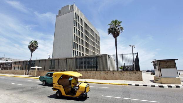 Edificio de la embajada de Estados Unidos en La Habana. (EFE)