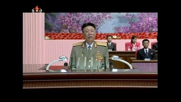 El jefe del Ejército de Corea del Norte, Ri Yong Gil, hace un discurso en Pyongyang en 2014. (Fotograma KRT)