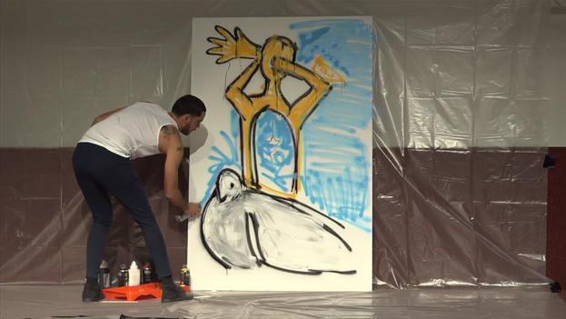 """'El Sexto' en su intervención """"Arte por los Derechos Humanos"""" en la Novena Conferencia por los Derechos Humanos y la Democracia, en Ginebra. (captura)"""