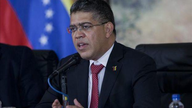 """Elías Jaua aseguró que al Gobierno le preocupa """"mucho más la actitud de la Conferencia Episcopal"""" venezolana. (EFE/Archivo)"""