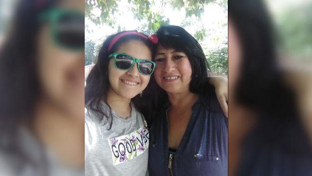 Angie y Elizabeth Rodriguez Rubio. Nieta y abuela respectivamente, se encuentran desaparecidas desde principios de mes cuando Hareton Jaime Rodríguez Sariol las transportaba a su casa. (Cortesía Facebook)