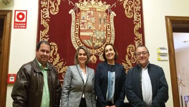 Encuentro entre responsables de Documentación y Archivo de los Ministerios de Exteriores de España y Cuba este mayo. (@embaCubaEspana)