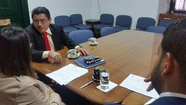 Eneiro Rincon, representante del deparatamento de Arauca, en la Cancillería de Colombia para pedir información sobre la situación en la frontera. (@EneiroRinconV)