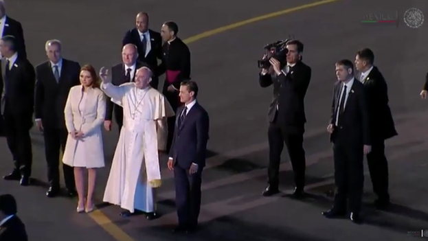 El presidente Enrique Peña Nieto durante el recibimiento del papa Francisco en México. (Presidencia de la República)