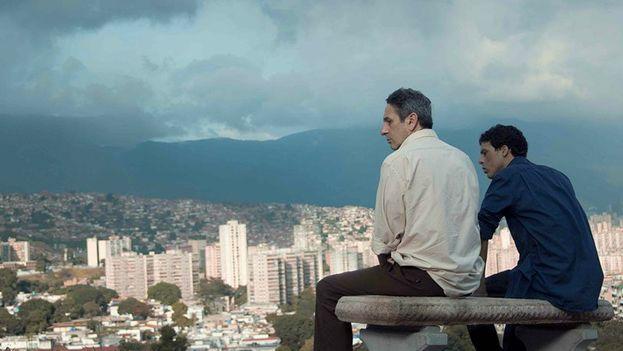 """Escena de la película venezolana """"Desde allá"""" dirigida por Lorenzo Vigas. (Youtube)"""