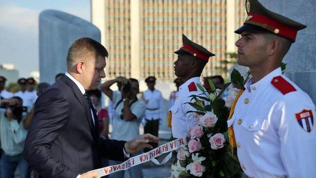 La visita del primer ministro de Eslovaquia a Cuba el pasado octubre puso los cimientos para estos acuerdos. (EFE)