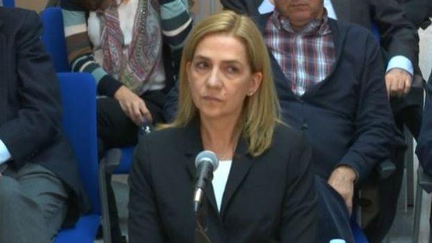 La hermana del rey de España declaró este jueves en Palma de Mallorca como acusada en el juicio por el caso Noos. (captura de vídeo)