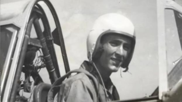 """El piloto y exiliado Esteban Bovo fue un miembro activo """"hasta que pudo"""" de la Brigada de Asalto 2506. (Captura)"""