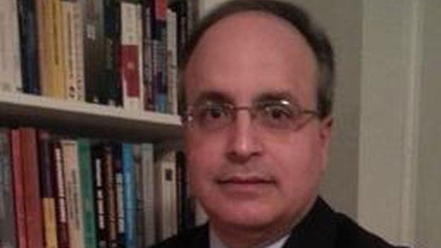 Frank Mora, director del Centro de Estudios de Latinoamérica y el Caribe en la Florida International University