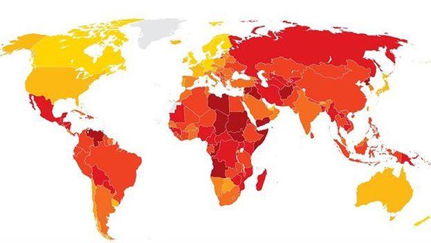 Los países en amarillo, en Europa mayoritariamente, los mejor clasificados en el índice de percepción de la corrupción. En rojo, los peores. (TI)