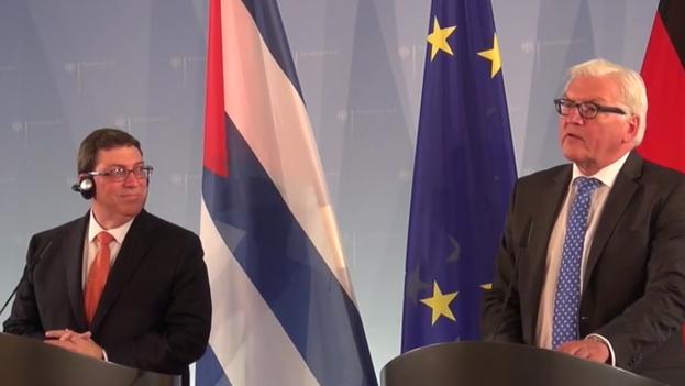 El ministro cubano de Asuntos Exteriores, Bruno Rodríguez, y su homólogo alemán, Frank-Walter Steinmeier. (Fotograma)