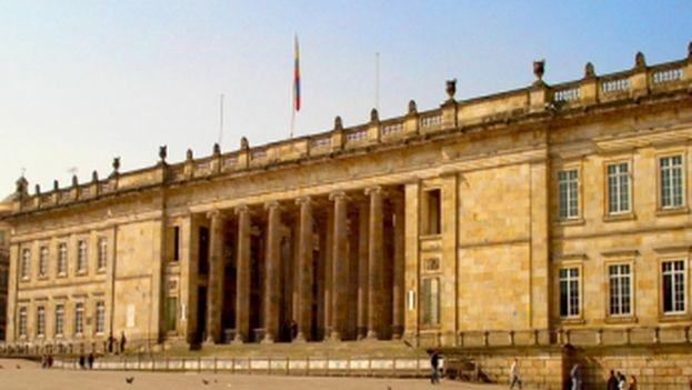La iniciativa recoge el perdón jurídico para todos los miembros de las FARC, excepto para los que hayan cometido delitos graves recogidos en el Estatuto de Roma. (Congreso de la República de Colommbia)