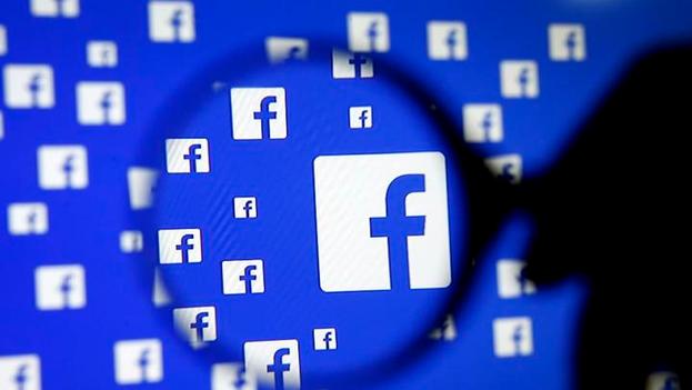Facebook ha hecho frente a cuestionamientos de congresistas y usuarios sobre el uso de informaciones falsas en la plataforma. (Twitter)