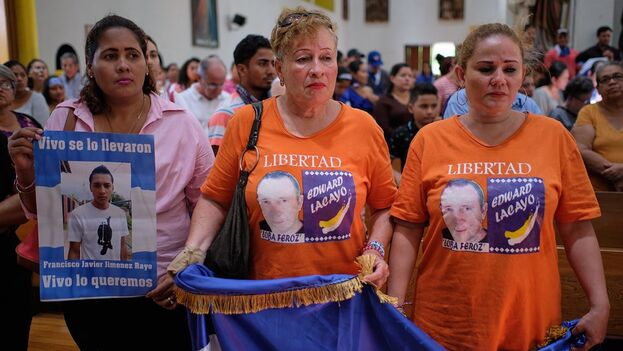 Familiares de presos políticos en una misa por su libertad en 2019. (Confidencial)