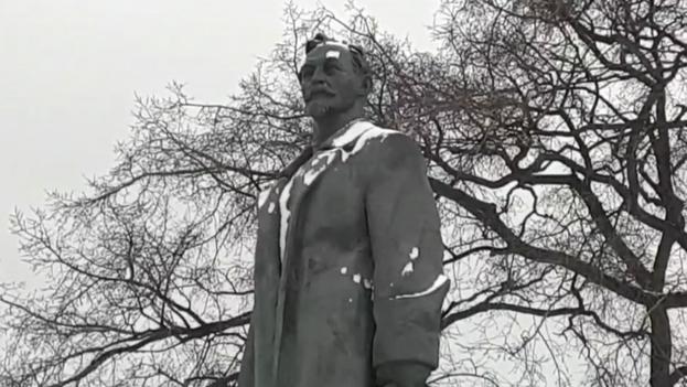 La estatua de Félix Dzerzhinski, en el parque al aire libre de Moscú donde se encuentra ahora. (Captura)