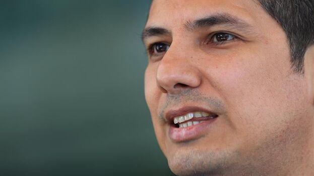 El activista político Fernando Balda, quien persiguió judicialmente al exmandatario Rafael Correa, por su secuestro en 2012. (EFE)