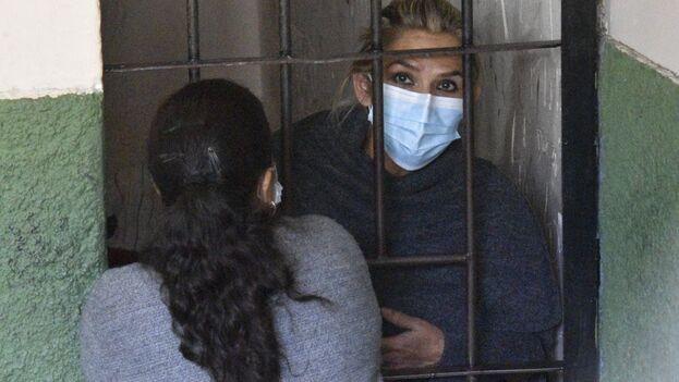 La Fiscalía boliviana había solicitado este domingo seis meses de detención preventiva, pero la jueza consideró que era mucho tiempo para la investigación. (EFE)
