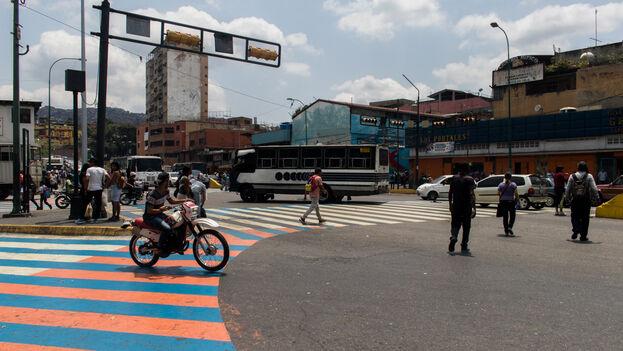 Este lunes la Fiscalía venezolana informó de la detención de un grupo de personas acusadas de reventa de gasolina. (Efecto Cocuyo)