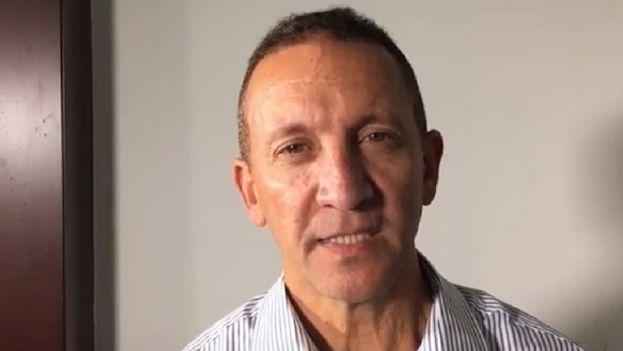 Fotograma del video donde hace declaraciones el fiscal Franklin Nieves. (Youtube)