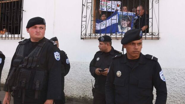 El papa Francisco pidió al Gobierno del presidente Daniel Ortega que escuche las demandas de las madres y libere a los 152 presos. (La Prensa)