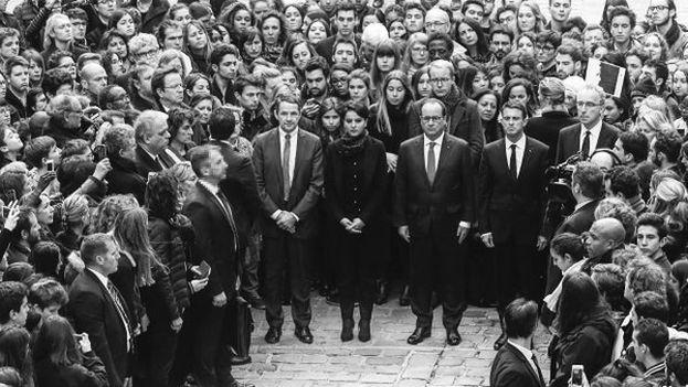 François Hollande en la universidad de La Sorbonne durante un acto de homenaje este lunes a las víctimas de los ataques del 13 de noviembre. (@Elysee)