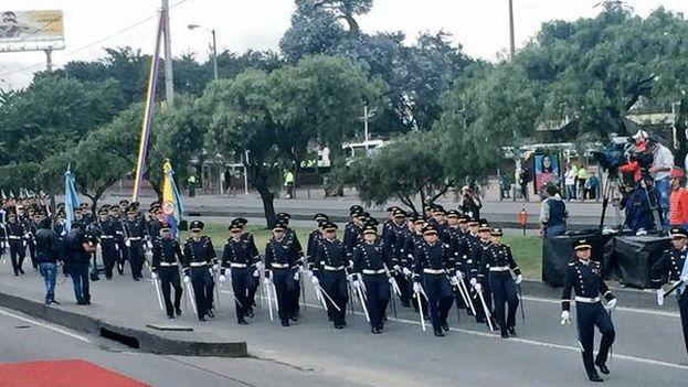 Imagen del desfile de las Fuerzas Armadas este lunes 20 de julio, día de la Independencia de Colombia. (@JuanManSantos)