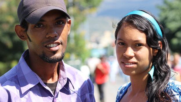 Gabriela y Alexander comparten el alquiler de su habitación con otras 20 personas. Es un matrimonio joven con esperanzas de progresar que dejó Venezuela hace menos de un mes. (14ymedio)