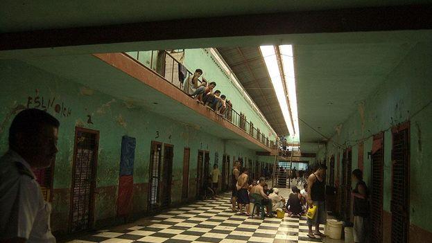 Galería de un módulo de la prisión La Modelo, donde se están produciendo presuntamente torturas. (El Nuevo Diario)