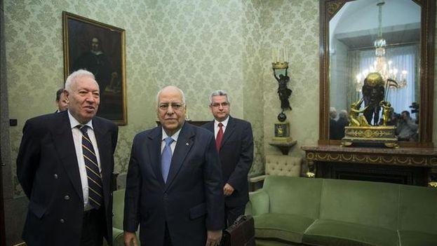 García-Margallo este mediodía en Madrid junto a Ricardo Casabrisas. (Exteriores)